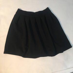 LC Lauren Conrad black skirt w/pockets size M